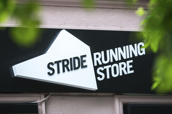 Stride-Running-Store-Branding-by-Rosie-Lee-Moscow-Russia-19