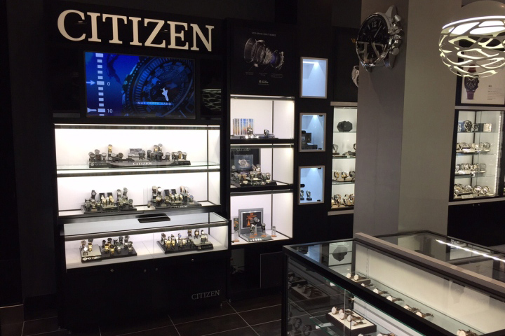 WATCH-IT-Store-by-Dehaan-Design-Company-Toronto-Canada
