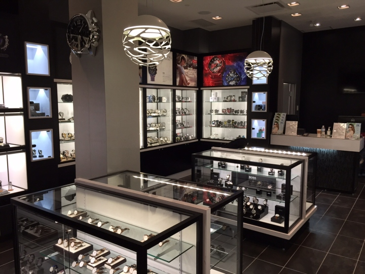 WATCH-IT-Store-by-Dehaan-Design-Company-Toronto-Canada-02