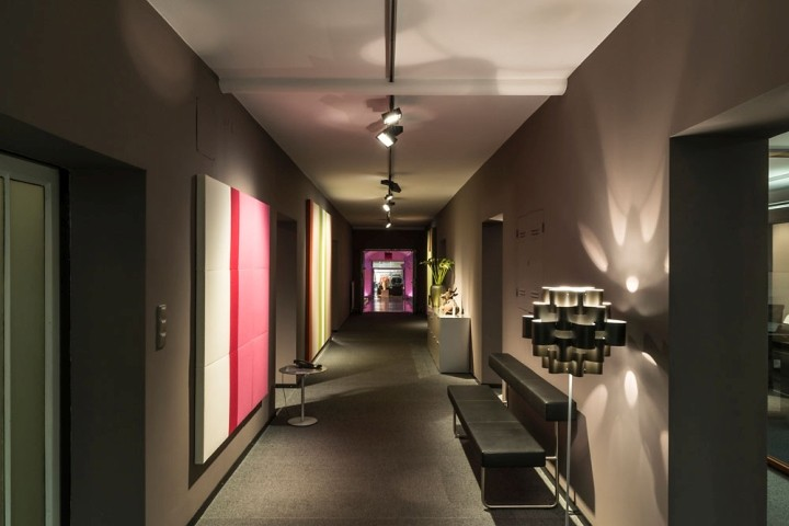 Showroom-Blaha-Office-by-Eichinger-oder-Knechtl-Korneuburg-Austria-04