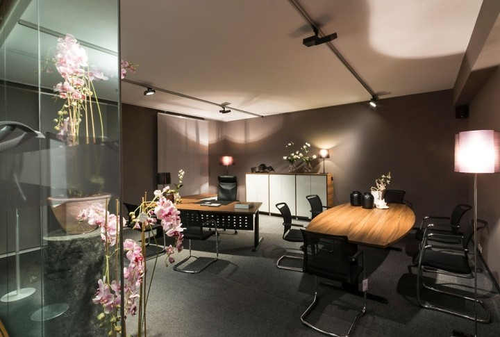 Showroom-Blaha-Office-by-Eichinger-oder-Knechtl-Korneuburg-Austria-05