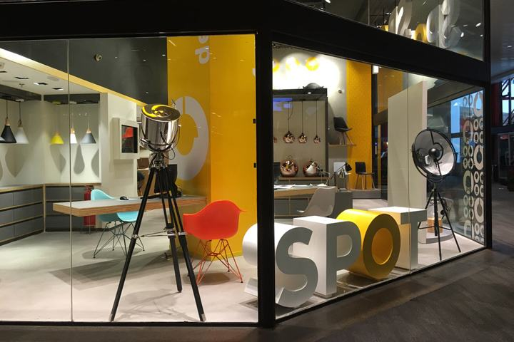 SPOT-Furniture-Lighting-store-by-FAL-Design-Estrategico-Sao-Paulo-Brazil