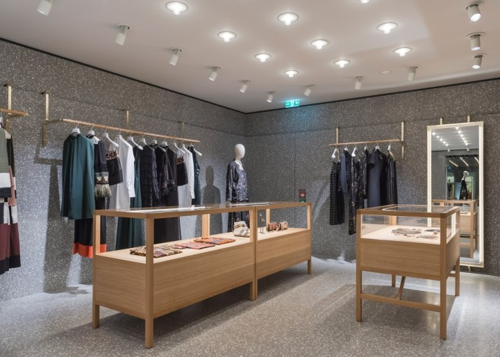 Valentino-flagship-boutique-by-David-Chipperfield-London-UK-02