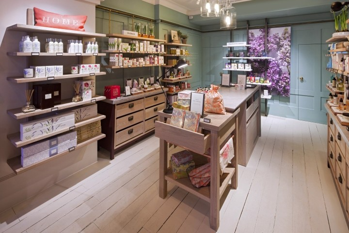 Crabtree-Evelyn-concept-store-by-Dalziel-Pow-London-UK