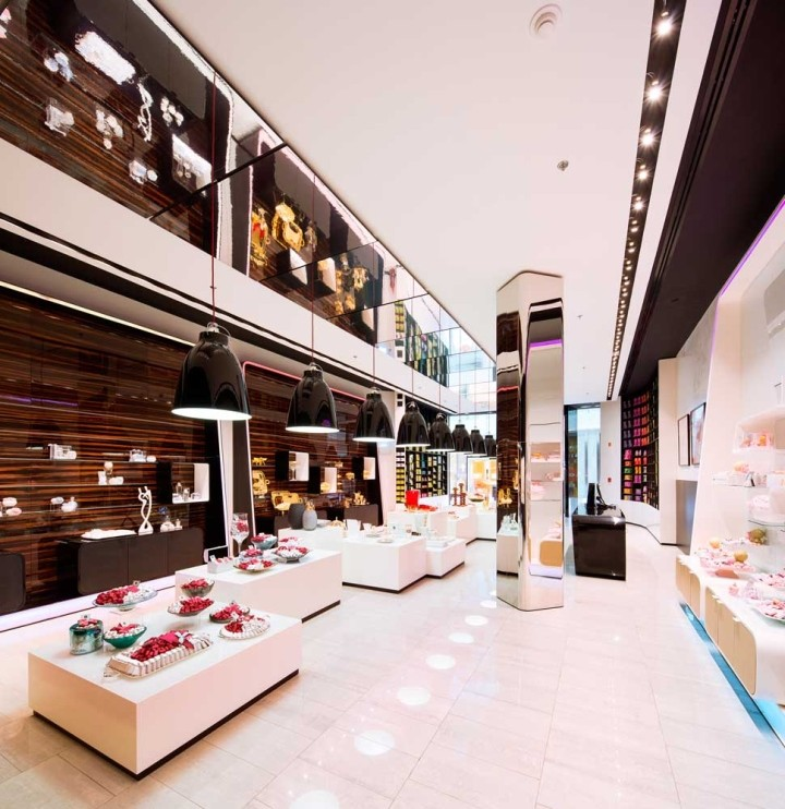 Patchi-chocolate-shop-at-Yas-Mall-by-Lautrefabrique-Architects-Abu-Dhabi-UAE-10
