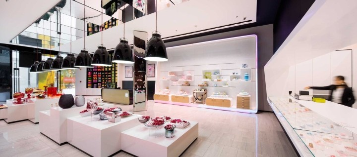 Patchi-chocolate-shop-at-Yas-Mall-by-Lautrefabrique-Architects-Abu-Dhabi-UAE-13