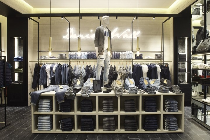 Liu-Jo-store-at-Arese-department-store-by-Christopher-G-Ward-Milan-Italy-