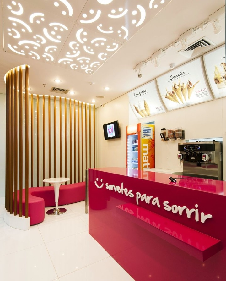 LOL-ice-cream-store-by-theroom-arquitetura-design-Uberlandia-Brazil-04