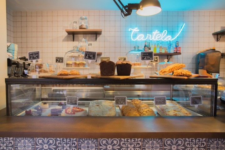 Tartela-cake-shop-coffee-shop-by-ECMInteriorismo-Barcelona-Spain-05