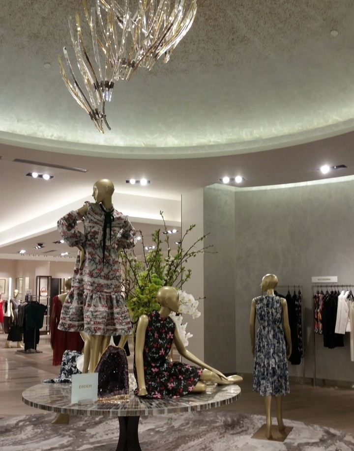 Saks-Fifth-Avenue-flagship-store-by-CBX-Houston-Texas-17