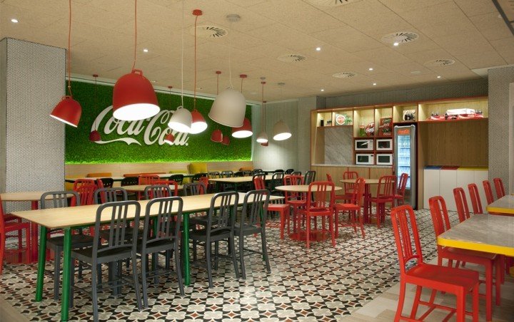 Coca-Cola-HQ-canteen-by-Stone-Designs-Madrid-Spain-06