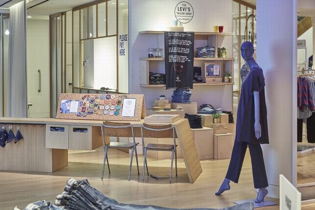 Levi-s-pop-up-Tailor-Shop-Workshop-at-Selfridges-by-Lucky-Fox-London-UK-02