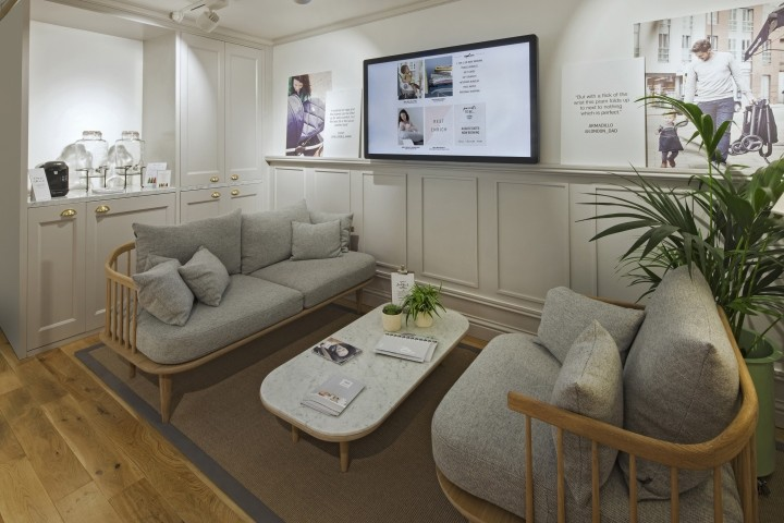 Mamas-Papas-showroom-by-Dalziel-Pow-London-UK-05