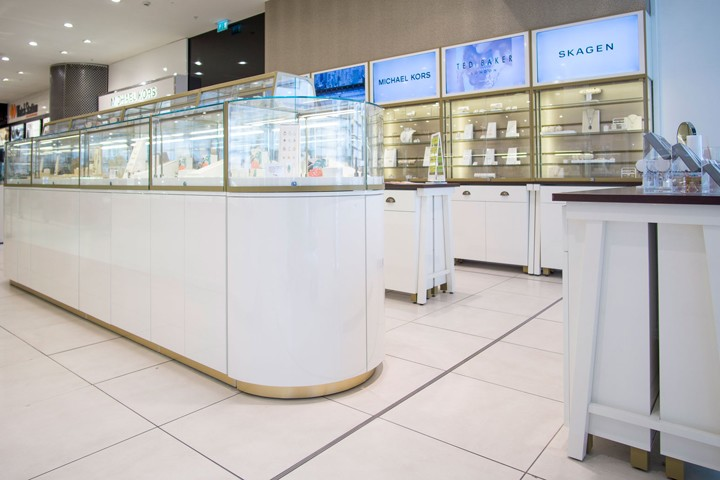 Fossil-Jewellery-store-by-Global-Display-London-UK
