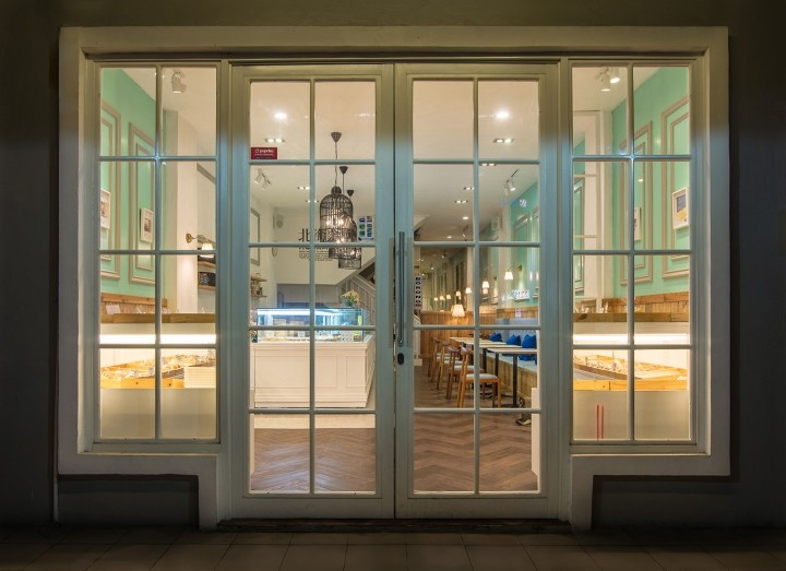EZO-Cheesecakes-Bakery-by-Evonil-Architecture-Jakarta-Indonesia-06
