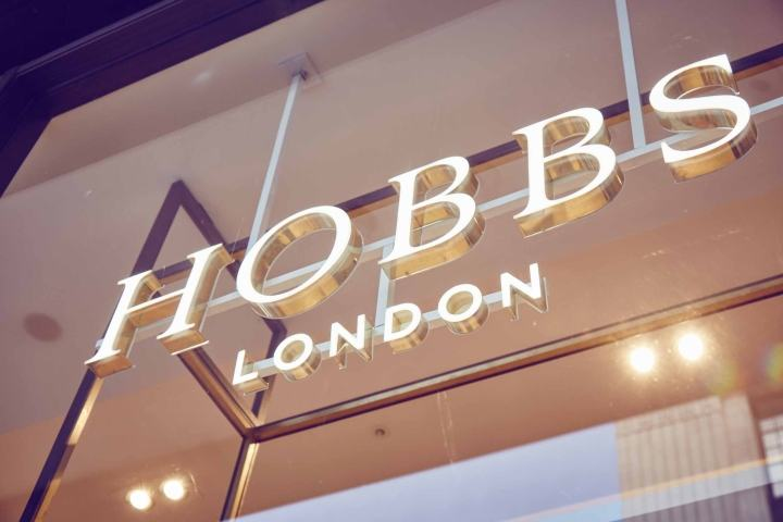 Hobbs-flagship-store-by-NOW-London-UK-06