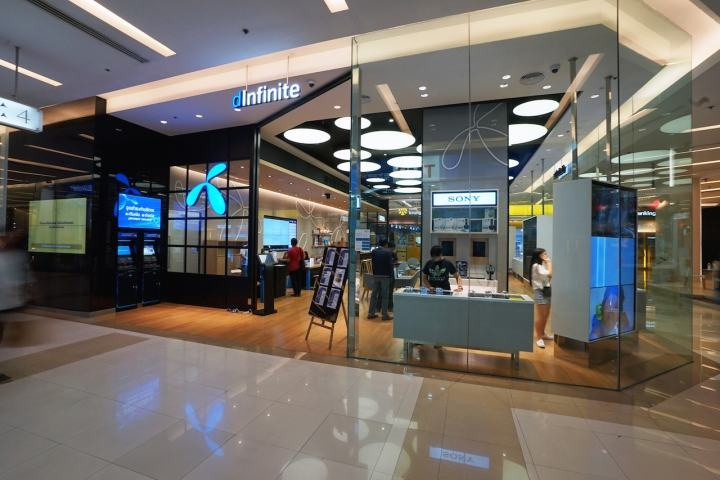 dInfinite-service-center-flagship-store-by-Whitespace-Bangkok-Thailand-09
