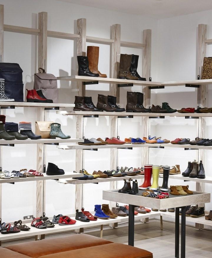The-Natural-Shoe-Store-by-Dreambox-Studio-London-UK-06