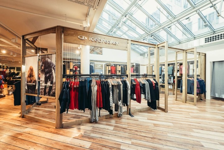 Icebreaker-shop-in-shop-by-Double-Retail-Munich-Germany-02