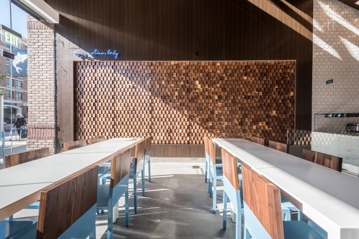 Mainland-Poke-by-Abramson-Teiger-Architects-Glendale-California04