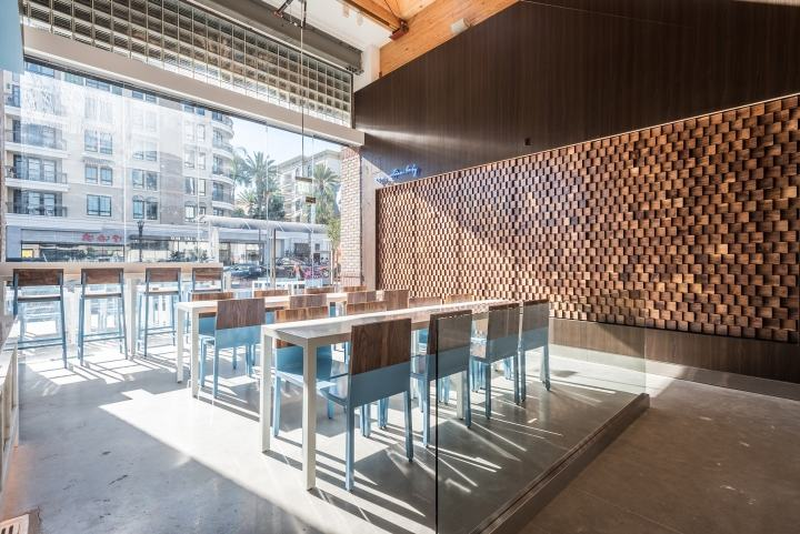 Mainland-Poke-by-Abramson-Teiger-Architects-Glendale-California05