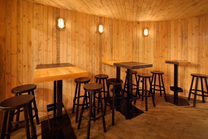 Rebel-Wings-restaurant-bar-by-studio-minio-Prague-Czech-Republic-03