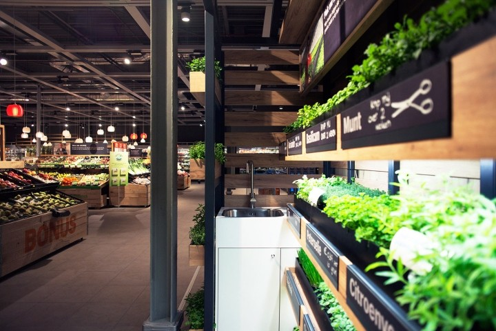 Albert-Heijn-XL-Help-yourself-Herb-Garden-by-studiomfd-Amsterdam-Netherlands