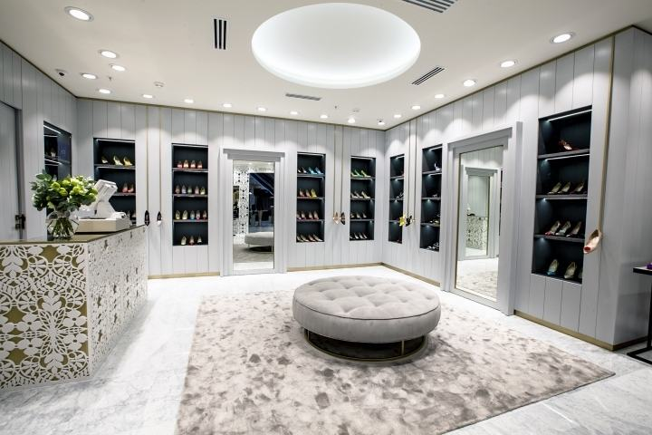 Manolo-Blahnik-store-by-Nick-LeithSmith-Moscow-Russia05