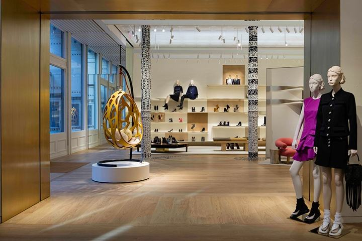 Louis-Vuitton-store-redesign-by-Peter-Marino-New-York-City