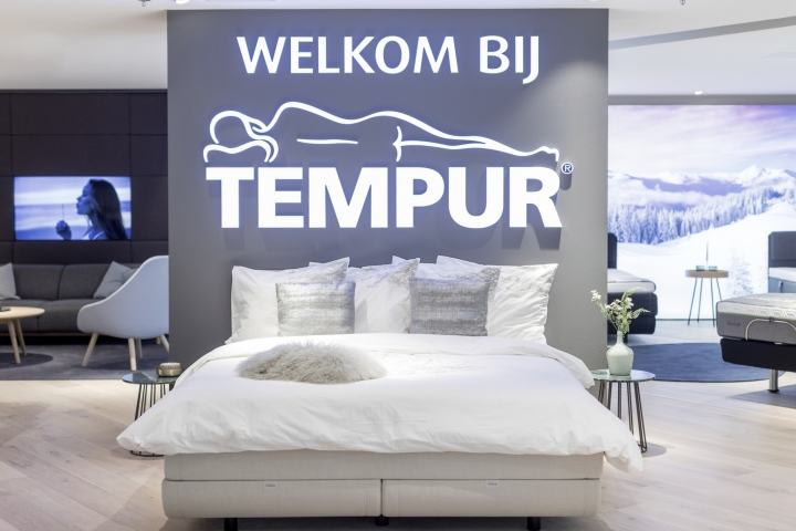 Tempur-store-Amsterdam-by-William-van-Esveld-Amsterdam-The-Netherlands02