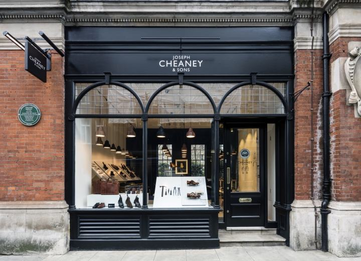 Joseph-Cheaney-store-by-Checkland-Kindleysides-London-UK-11