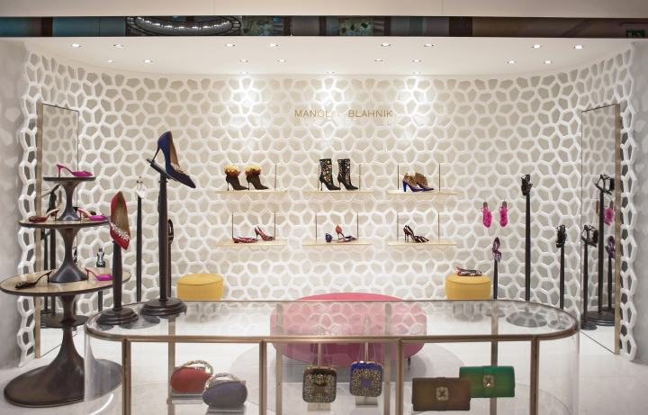 Manolo-Blahnik-store-by-Nick-Leith-Smith-Doha-Qatar02
