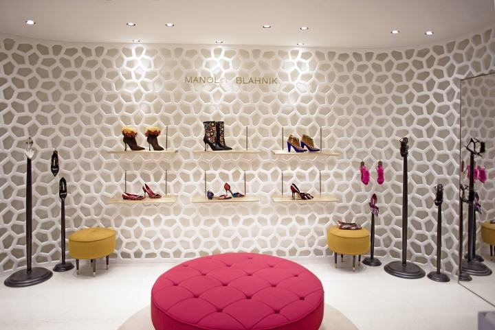 Manolo-Blahnik-store-by-Nick-Leith-Smith-Doha-Qatar03