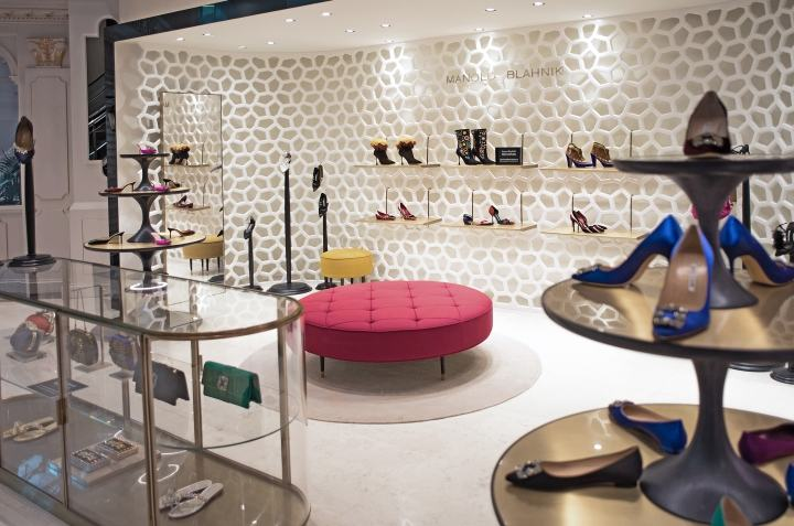 Manolo-Blahnik-store-by-Nick-Leith-Smith-Doha-Qatar04