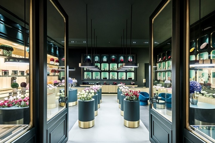 ONly-Roses-store-by-Baciocchi-Associati7-Abu-Dhabi-UAE