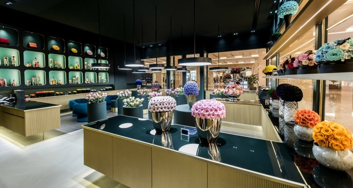 ONly-Roses-store-by-Baciocchi-Associati7-Abu-Dhabi-UAE02