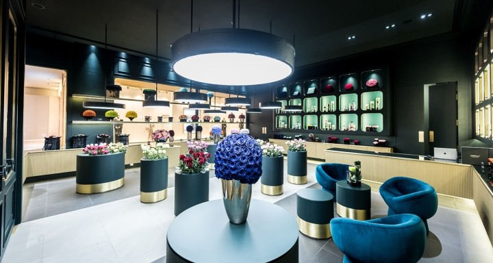 ONly-Roses-store-by-Baciocchi-Associati7-Abu-Dhabi-UAE03