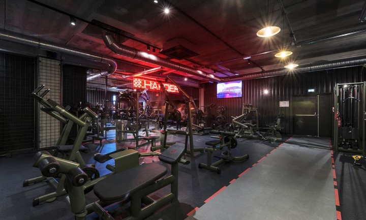 Metabolik-gym-club-by-Red-Banana-Studio-Aix-en-Provence-France-03