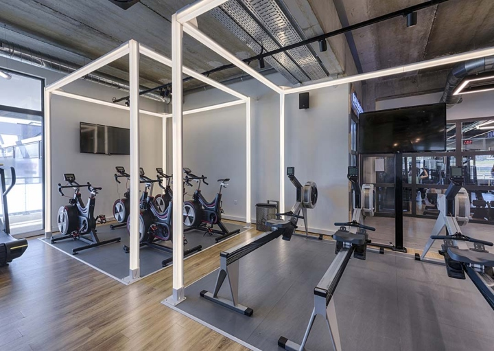 Metabolik-gym-club-by-Red-Banana-Studio-Aix-en-Provence-France-20