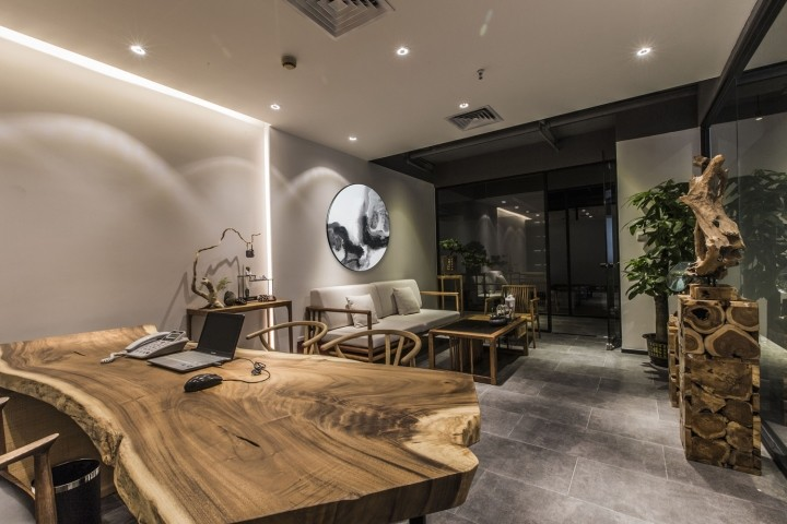 OUALLIN-clothing-office-by-Bernard-Space-Design-Tianan-Cyber-Park-Office-Showroom04