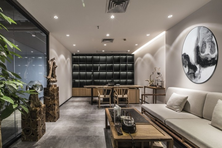 OUALLIN-clothing-office-by-Bernard-Space-Design-Tianan-Cyber-Park-Office-Showroom05