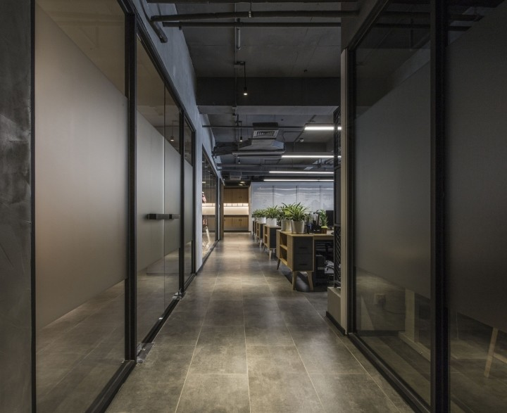 OUALLIN-clothing-office-by-Bernard-Space-Design-Tianan-Cyber-Park-Office-Showroom10