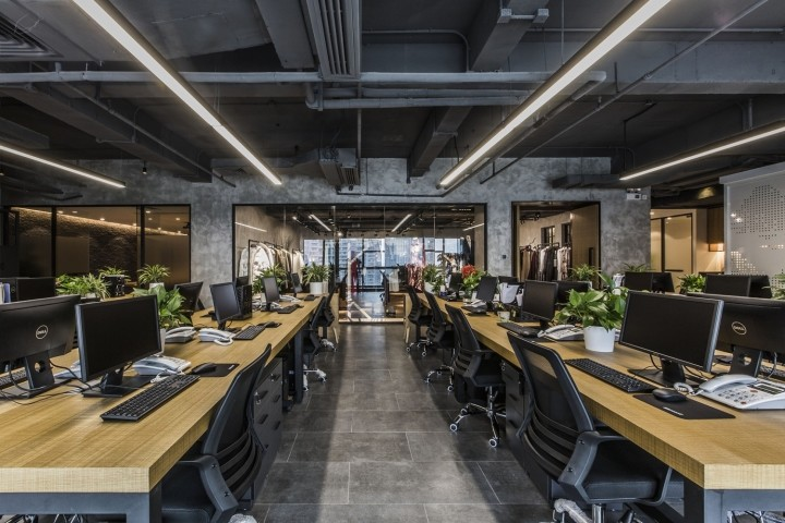 OUALLIN-clothing-office-by-Bernard-Space-Design-Tianan-Cyber-Park-Office-Showroom12