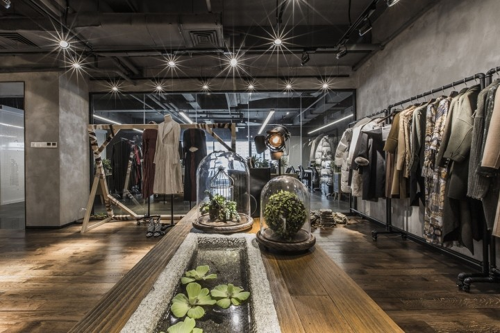 OUALLIN-clothing-office-by-Bernard-Space-Design-Tianan-Cyber-Park-Office-Showroom17