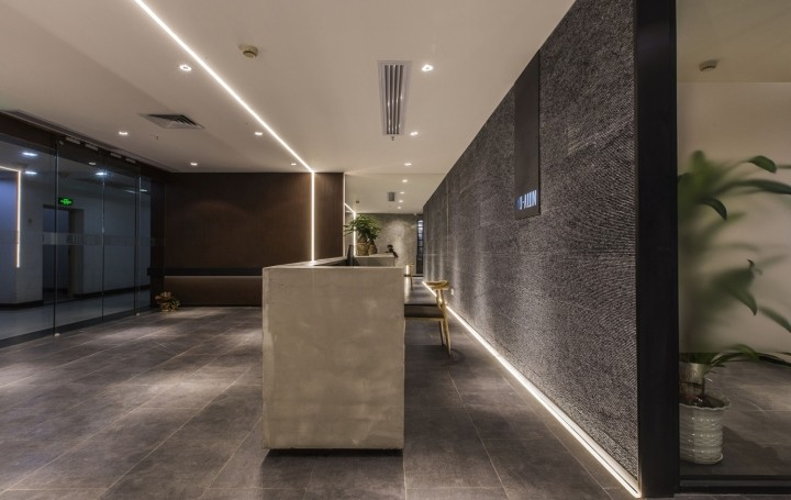 OUALLIN-clothing-office-by-Bernard-Space-Design-Tianan-Cyber-Park-Office-Showroom26