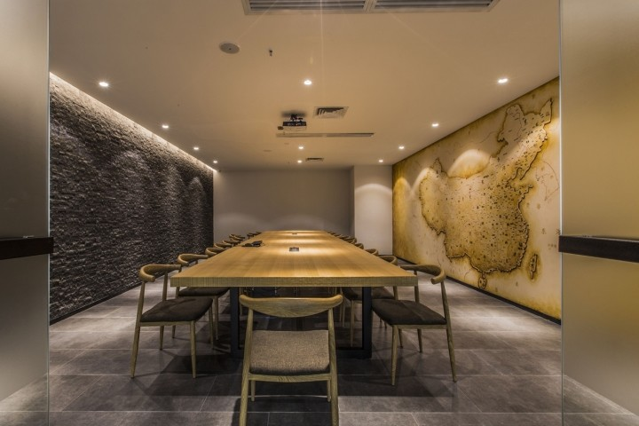 OUALLIN-clothing-office-by-Bernard-Space-Design-Tianan-Cyber-Park-Office-Showroom29