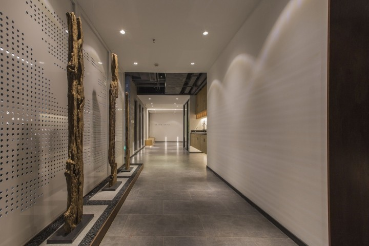 OUALLIN-clothing-office-by-Bernard-Space-Design-Tianan-Cyber-Park-Office-Showroom32