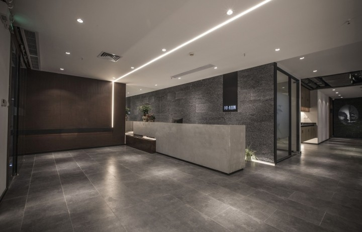 OUALLIN-clothing-office-by-Bernard-Space-Design-Tianan-Cyber-Park-Office-Showroom35
