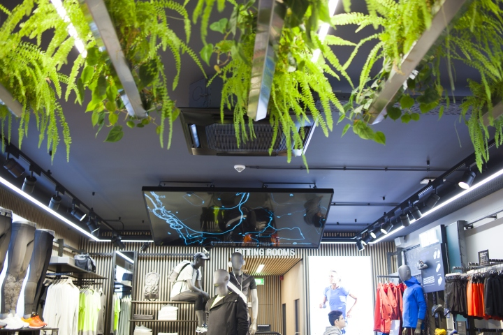 ASICS-retail-concept-by-Green-Room-Brussels-Belgium06