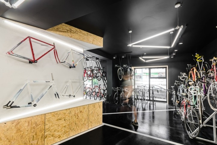 VELO7-Cycle-Shop-by-mode-lina-architekci-Poznan-Poland07